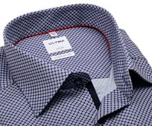 Koszula Olymp Comfort Fit – ciemnoniebieska z czerwono-niebieskim wzorem i wewnętrzną plisą