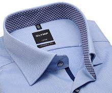 Koszula Olymp Modern Fit – jasnoniebieska z wyszytym wzorem i czerwono-niebieską wewnętrzną stójką