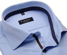 Koszula Eterna Comfort Fit – jasnoniebieska o delikatnej strukturze z wewnętrzną stójką i mankietem