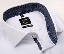 Koszula Olymp Super Slim – biała z niebiesko-białym wzorem w wewnętrznej stójce i mankiecie