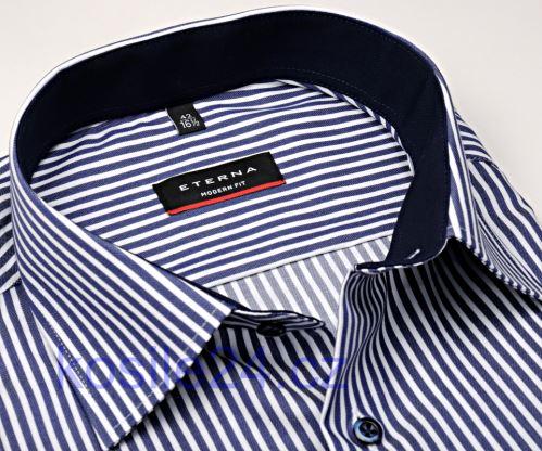 Koszula Eterna Modern Fit Twill – biała w granatowe prążki z kołnierzykiem wewnętrznym i mankietami