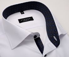 Koszula Eterna Comfort Fit - biała z czerwono-niebieską wewnętrzną stójką, mankietem i plisą