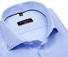 Koszula Eterna Slim Fit - jasnoniebieska z delikatną strukturą z kołnierzykiem wewnętrznym - super długi rękaw